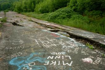 Eltüntetik a híres amerikai szellemváros elhagyott útját