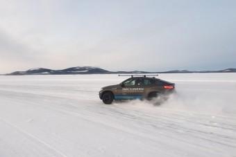 6000 Nm nyomaték az elektromos BMW X6-osban