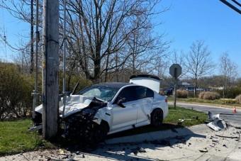 10 kilométer után törte rommá az M5-ös BMW-t