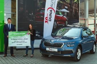 250 ezer forintos utalvánnyal lepte meg egyik vevőjét a Škoda