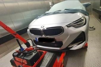 Merész vonalakat villantott a 2-es BMW
