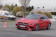 Elbuktak a Volkswagen-konszern kombijai a híres teszten 1