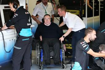 F1: Gyári karanténban a csapatfőnök