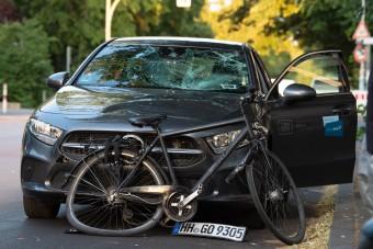 Büntetés nélkül jött ki a bíróságról a kerékpárost halálra gázoló autós