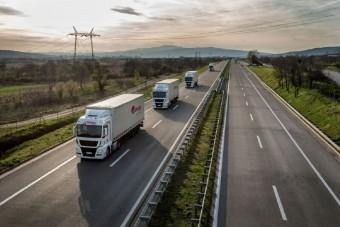 Sztrájkra készülnek a kamionsofőrök a napdíj miatt