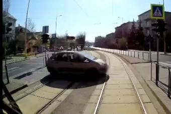 A kiürült budapesti utcákon elképesztő dolgok történnek - videó