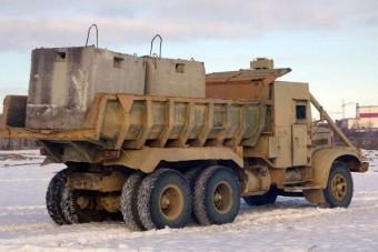 Pár éve még radioaktív hulladékot takarítottak ezek a teherautók
