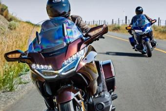 Nyugodtan kütyüzhetsz motorozás közben
