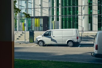 Tuningcéggel csinált elektromos Transportert a Volkswagen