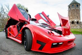 Ilyen a sportautó, ami a garázsban készült