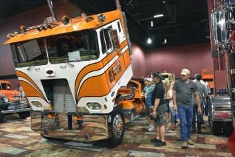 Hamarosan bárki meglesheti az amerikai antik teherautókat