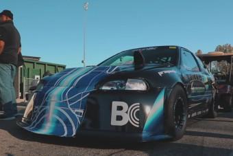 Itt a Civic, ami közel jár az 1 másodperces gyorsuláshoz