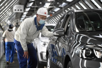 Így küzdenek a hazai autógyárak