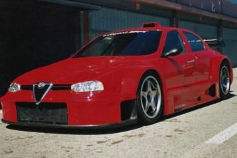 Meglepően durva technika rejlik ebben az Alfa Romeóban