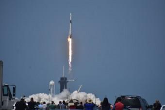 Történelmi pillanat: kilőtték a SpaceX űrhajóját!