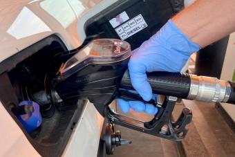 Több tízforintos benzináremelés jön