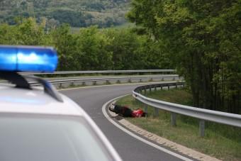 Halálos balesetet szenvedett egy motoros az M7-esen