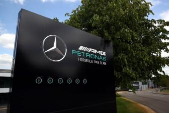 F1: Hatalomátvétel jöhet a Mercedes-csapatnál