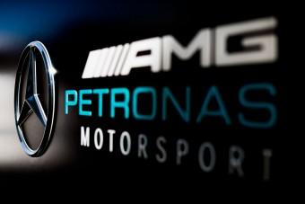 F1: A Mercedes tojik a többiekre, aláír