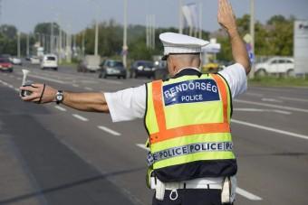 Erre az autós szabálysértésre szálltak most rá a magyar rendőrök