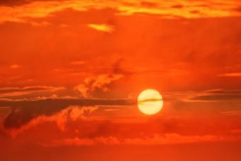 Takaréklángon süt a Nap a tudósok szerint