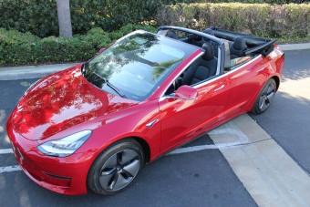 Amíg nincs Roadster, addig itt a Tesla Model 3 kabrió