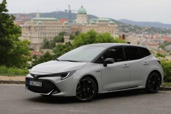 Lehet valami sportos 5 literes fogyasztással? - Toyota Corolla GR Sport