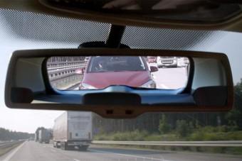 Tudod, mit jelent a bűvös 2 másodperc vezetés közben?