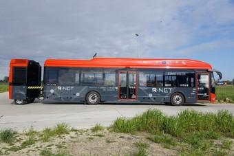 Fontos dolgot húz maga után ez a busz