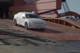 Megérkezett Európába a Tesla 3 kínai konkurense