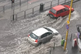Tengelyig ért a víz Budapest egyes pontjain a vihar után