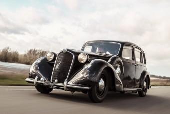 A háború előtti olasz luxust adja az eredeti Alfa Romeo 6C