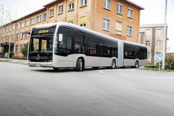 Megérkezett a Mercedes-Benz elektromos csuklósa