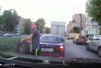 Testi épségét nem kímélve mentette autóját a sofőr