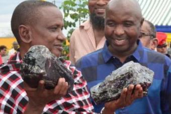 Egy csapásra milliárdos lett a szerencsés afrikai bányász