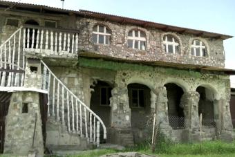 20 évig építette álomházát egy orosz férfi, íme az eredmény