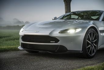 Akinek túl nagy volt az Aston Martin arca, most vehet kisebbet