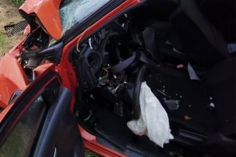 Így néz ki, amikor egy BMW és egy Suzuki frontálisan ütközik