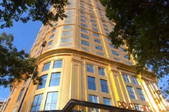 Itt a világ első szállodája, amit aranyba csomagoltak