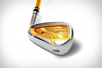 Itt az aranyozott golfütő azoknak, akiknek semmi sem drága