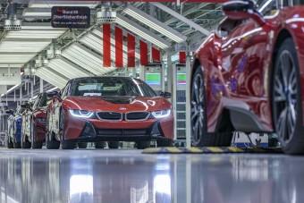 Átadták az utolsó 18 darab BMW i8-ast