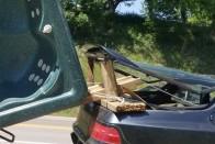 Hét fotellel az autón kapcsolták le a zsaruk a sofőrt Székesfehérváron 2