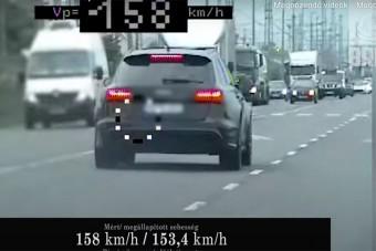 Kaszáltak a gyorshajtók között a civil autós rendőrök, motorosokkal is elbántak