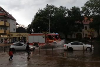 Megnehezítette a közlekedést az ország keleti felére lecsapó vihar