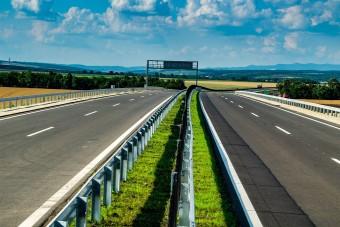 Új gyorsforgalmi utat adtak át Magyarországon