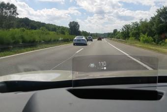 A sebesség, vagy a súly rosszabb a villanyautónak?