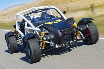 335 lóerős terepszörnyeteg, Honda motorral