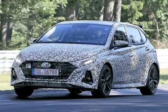 A Nürburgringen tesztel a Hyundai sportos kisautója