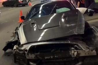Száguldó sofőr okozott balesetet az alagútban