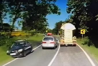 Három szembejövőt szorított le egymás után a szabálytalan autós Romániában